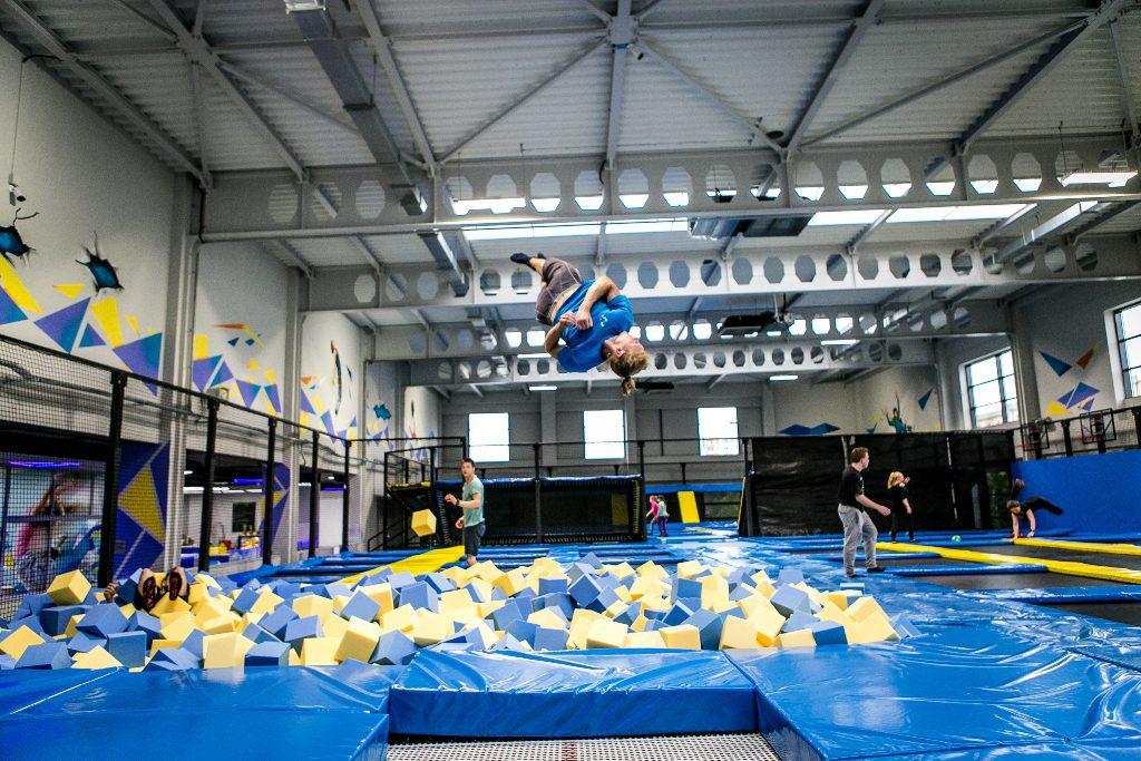Jak zrobić salto w bok – flip side