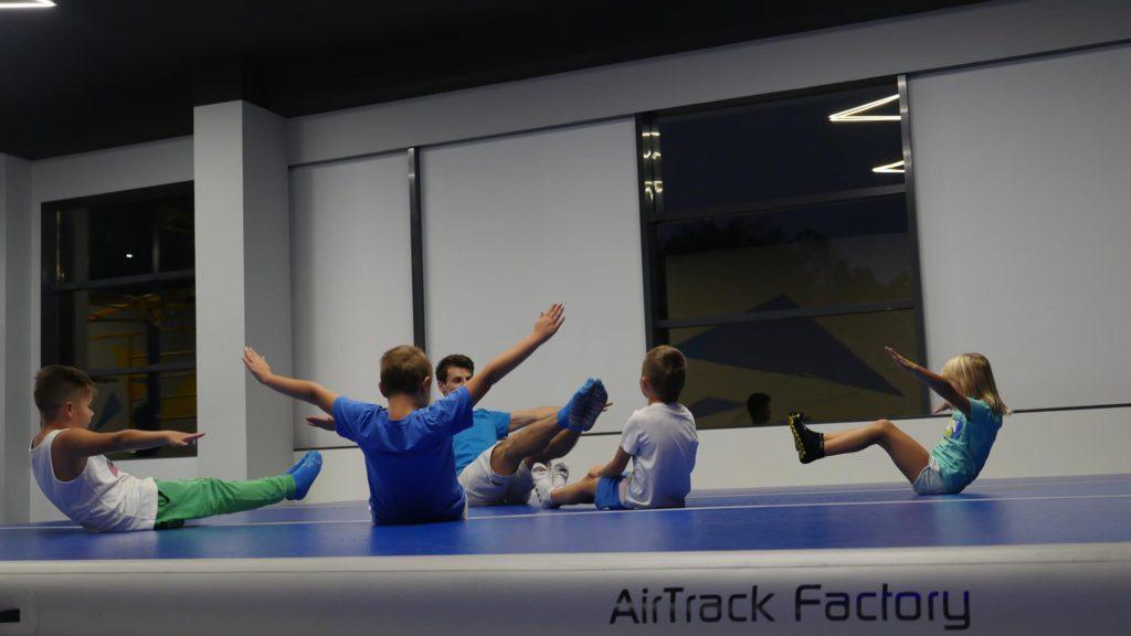 Jak zrobić poziomkę — nauka poziomki gimnastycznej